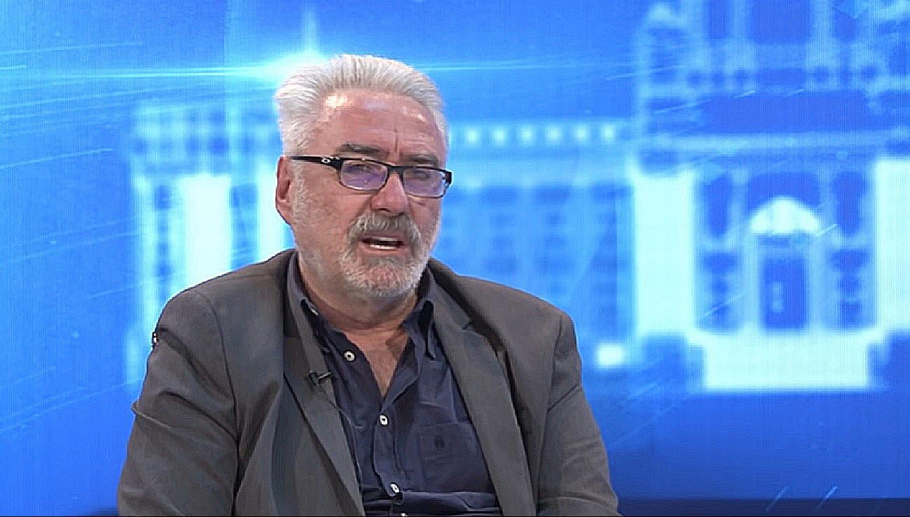Vučićev doktor opet briljira: 'Nikad ne bih uzeo američka ni europska  cjepiva, mijenjaju genetiku' | Telegram.hr