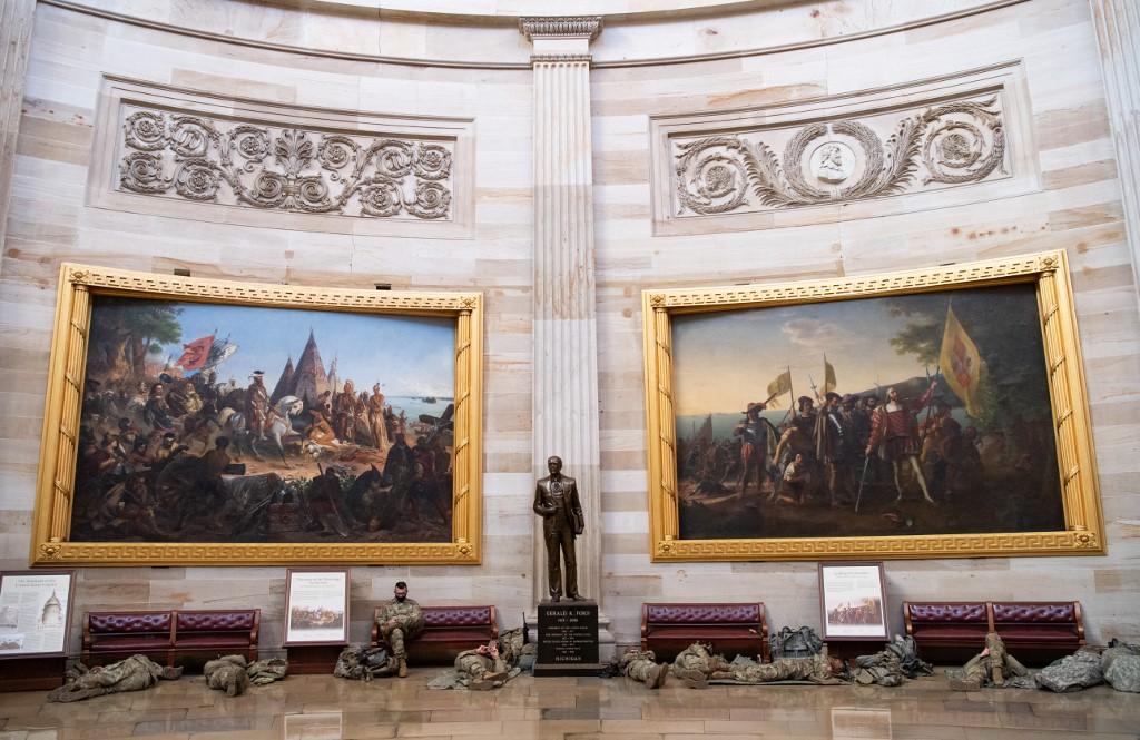 Donald Trumb danas bi mogao postati prvi američki predsjednik koji je dva puta opozvan u Zastupničkom domu Kongresa, no malene su šanse da se opoziv potvrdi i u gornjem domu, u kojem većinu i dalje imaju republikanci.