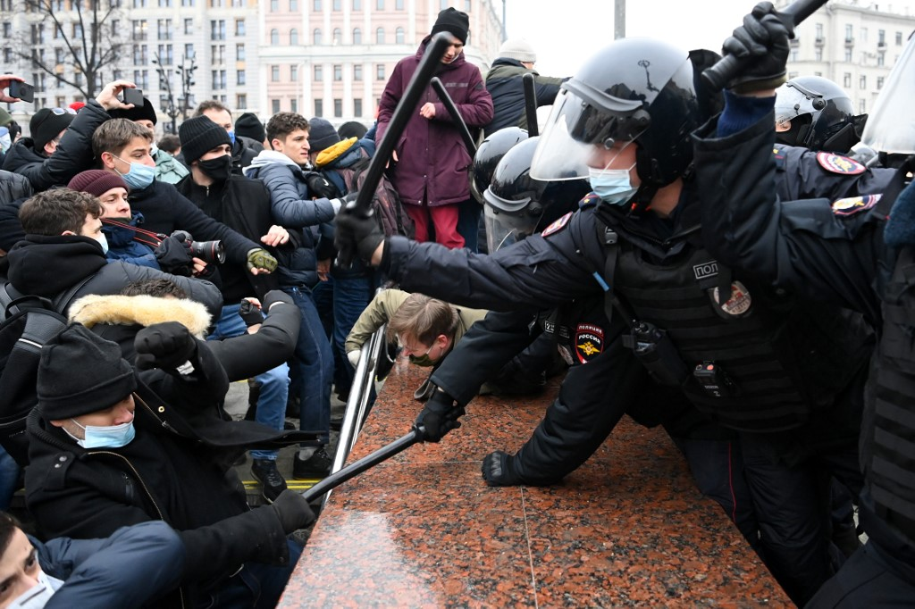 Prema procjeni Reutersa, na prosvjedu u Moskvi se okupilo najmanje 40.000 ljudi. Na neodobrenim prosvjedima diljem zemlje policija je, prema pisanju CNN-a, privela 1900 ljudi. Među uhićenima je i Navaljnijeva supruga Julija te njegov suradnik odvjetnik Ljubov Sobol.