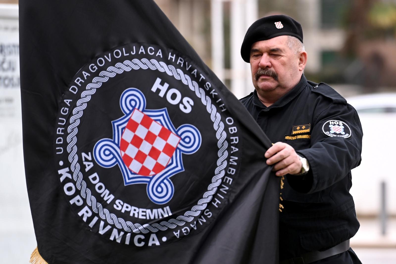 HOS-ovci poručili Milanoviću: 'Ni četnici nam nisu uzeli ratnu zastavu, a  nećete ni vi' | Telegram.hr