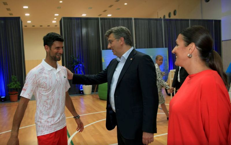 Čuvena fotografija premijera i Novaka Đokovića